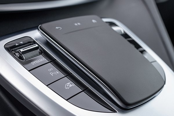 Input panel with touch function